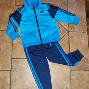 🏃‍♂️Adidas 18 months tracksuit NWOT!🏃‍♂️